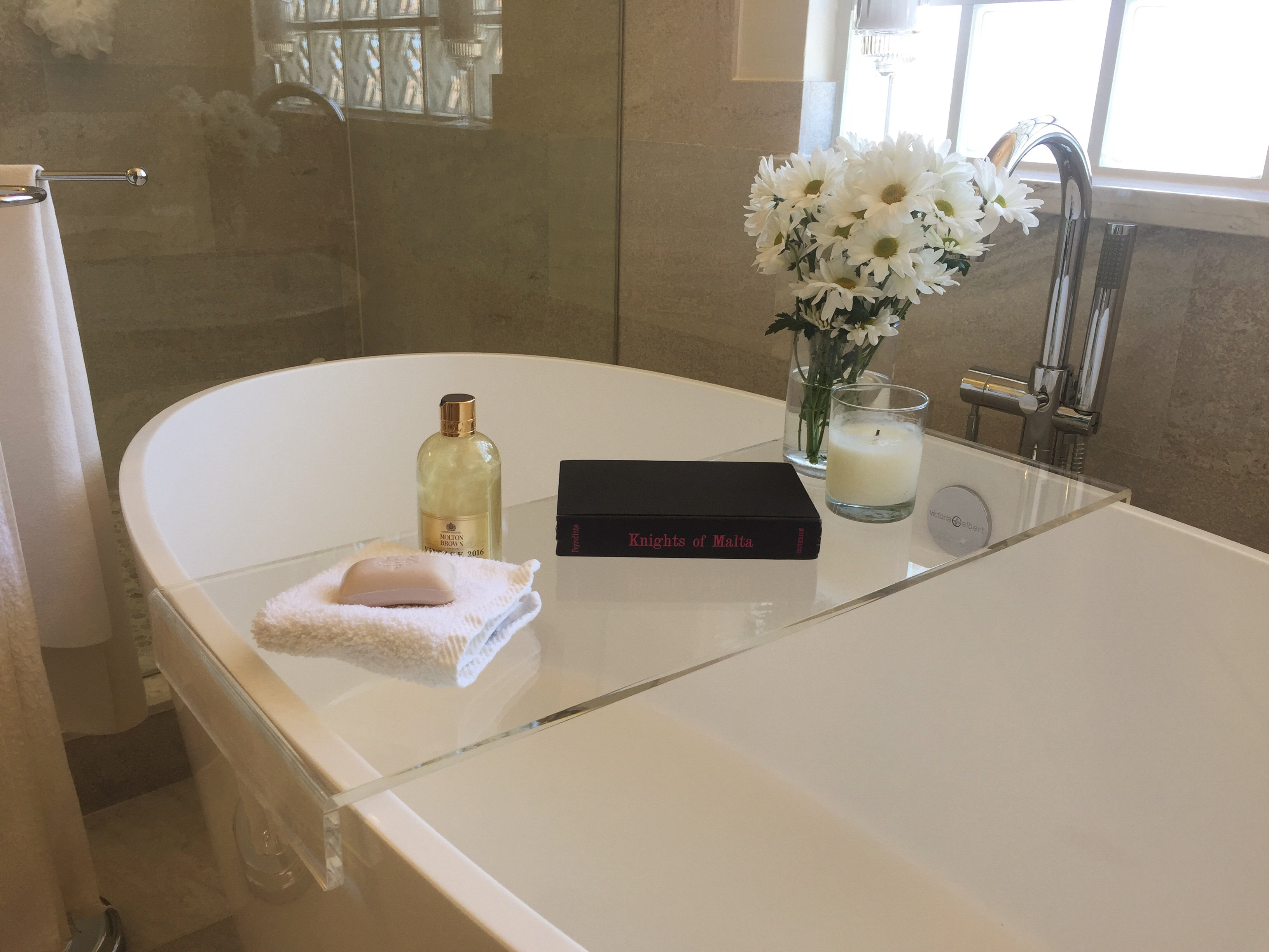 Acrylic Bathtub Caddy | United Products, LLC